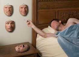 Detrás de las máscaras ¿qué somos?.